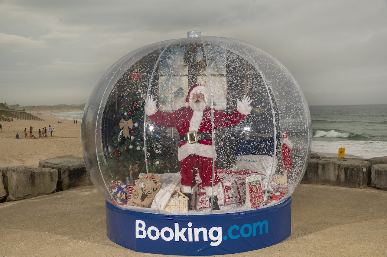 booking.com snow globe